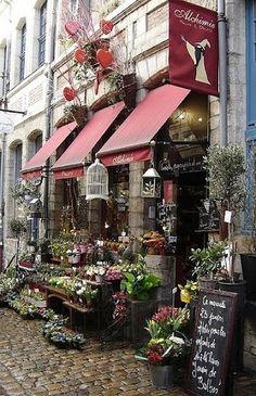 Flora lShop - Charming shopfronts -  | Ana Rosa