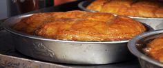 Μια σχετικά δύσκολη συνταγή με πολλά μυστικά για ένα θεικό γαλακτομπούρεκο. …Πάμε και στα της συνταγής τώρα ΥΛΙΚΑ 600 γρ. φύλλο κρούστας 200... Greek Sweets, Greek Desserts, Greek Recipes, Istanbul Food, Cyprus Food, Puff Pastry Desserts, The Kitchen Food Network, Greece Food, Best Pie