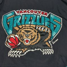 Grizzlies Nation! Check out this Vintage 1994 NBA Vancouver Grizzlies Starter Coat. Size: XL