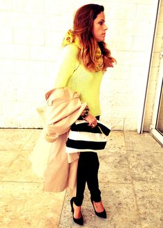 I'm really loving the yellow this season.   The bag, which must have caught your attention all ready, it is also one of my most recent inseparable loves and it was made ​​especially for me by My World Of Rags. Amazingly done and so trendy, besides being very spacious for a clutch, much to the genre of this new generation of clutches. Feel free to copy the model and order online, for I'm sure you'll love it as much as I do :) (more…