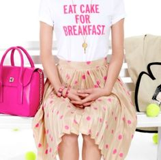 Graphic tee + skirt love