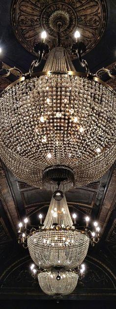 luxury, chandelier, and light-bild Luxury Chandelier, Empire Chandelier, Chandelier Lighting, Accent Lighting, Studio 54 Nyc, Decoration, Light Fixtures, Light Fittings, Ceiling Lights