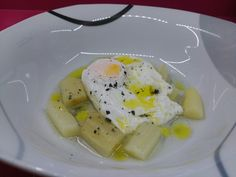 Huevo Escalfado Con Espárragos Naturales.