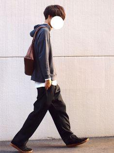 パーカーでゆるコーデ◎ メッセンジャーバッグが ゆるさを際立たせてくれます ■着用サイズ■ pa