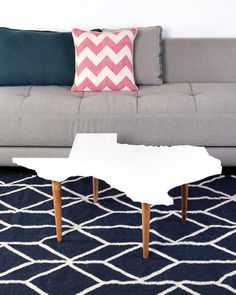 A Texas-shaped coffee table for your living room!