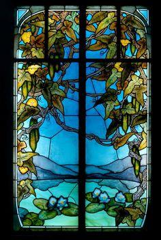 """Jacques Gruber. Stained glass window """"Luffas et nymphéas"""", Musée de l'École de Nancy"""