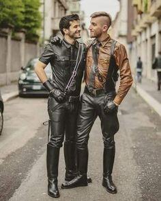Mens Leather Pants, Biker Leather, Mode Masculine, Jeans En Cuir, Leather Fashion, Mens Fashion, Leder Outfits, Beautiful Men, Costumes