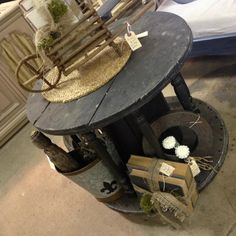 spool table..love it project tomorrow..thanks Lisa..and Serena :)