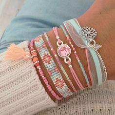 Seed Bead Bracelets Diy, Simple Bracelets, Cute Bracelets, Handmade Bracelets, Friendship Bracelets, Beaded Bracelets, Peyote Beading Patterns, Beaded Bracelet Patterns, Loom Beading