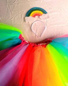 Crazy Costumes, Princess Peach, Disney Princess, Halloween Disfraces, Girls World, Poses, Carnival, Aurora Sleeping Beauty, Cosplay