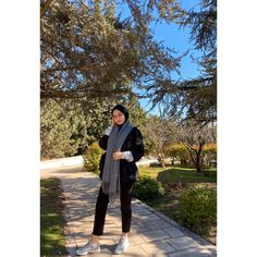 Winter casual for hijabi Mode Hijab, Hijab Outfit, Suits, Winter, Casual, Fashion, Winter Time, Moda, Fashion Styles