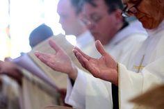 Singles for Christ alertó sobre la diferencia entre la oración auténtica y los ritos supersticiosos.