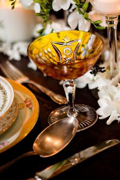 Mix of vintage glassware and china
