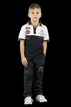 Shop the latest Aeronautica Militare kids' clothing. T-shirt, polos, sweatshirts, trousers with official badges and emblems of the Air Force. Mens Polo T Shirts, Boys T Shirts, Moda Junior, Baby Boy Outfits, Kids Outfits, Kids Fashion, Men's Fashion, Kids Clothes Boys, Boy Clothing