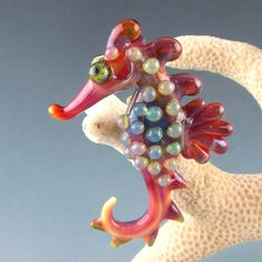 I know it's not an insect but I so LOVE Sea horses! Fri Jan 17 S&T - Lampwork Etc.