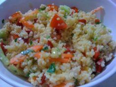 couscous cu legume Se serveste cald sau rece ( dupa preferinta) , poate fi o… Veg Recipes, Vegetarian Recipes, Healthy Recipes, Couscous, Romanian Food, Fried Rice, Delicious Food, Quinoa, Healthy Food