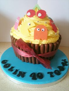 Pacman Giant cupcake