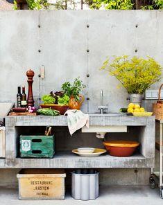 Inspiration conservatories in concrete Outdoor Rooms, Outdoor Living, Ikea Outdoor, Getaway Cabins, Outdoor Kitchen Design, Pergola Designs, Real Wood, Double Vanity, Living Spaces