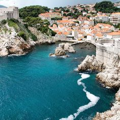 Blue waters in Dubrovnik. Photo courtesy of garotasviajantes on Instagram.