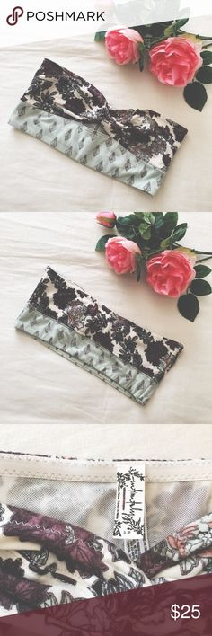 Free People floral bandeau bralette New Without Tags  Free People Intimately floral bandeau bralette. Size Small. *note the inside tag has a Free People line marked.*  Please ask questions  Free People Intimates & Sleepwear Bandeaus