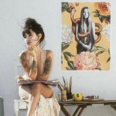 Love the artist as well as her wonderful art. Painter Artist, Artist Art, Artist At Work, Kunst Inspo, Art Inspo, Art And Illustration, Art Hoe, Artist Life, Expo