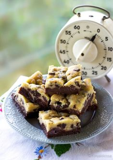 Brookies in finnish Baking Recipes, Cake Recipes, Dessert Recipes, Baking Ideas, Yummy Treats, Sweet Treats, Yummy Food, Brookies, Sweet Pastries
