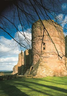 DAYS OUT AT GOODRICH CASTLE, GOODRICH CASTLE, TRIPS TO HEREFORDSHIRE