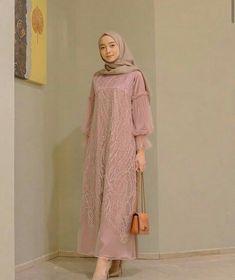 Source by ladyriafa brokat Source by MadisynDresses brokat Source by jazminecoconnorjazmine brokat Kebaya Muslim, Dress Brokat Muslim, Kebaya Hijab, Kebaya Dress, Dress Pesta, Muslim Dress, Hijab Gown, Hijab Dress Party, Hijab Style Dress