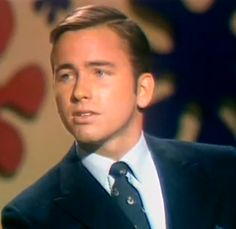 John Ritter # Three's Company, he was actually on The Dating Game Stand Up Comics, John Ritter, 70s Tv Shows, Play The Video, Three's Company, Dating Games, Hollywood Stars, Funny People