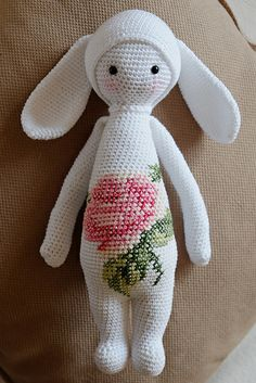 RITA the rabbit made by rosaquilt / crochet pattern by lalylala