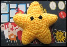 Super Mario star crochet pattern - use for tic-tac-toe game Crochet Amigurumi, Amigurumi Patterns, Diy Crochet, Crochet Baby, Crochet Super Mario, Crochet Star Patterns, Crochet Stars, Mario Star, Mario Bros.