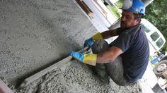 Una muy buena opción para rescatar y nivelar un patio, es construir una losa de cemento, o radier, que permita después ponerle algún revestimiento o vitrificarlo, de manera que nos quede una bonita terraza. Además, si estamos pensando en hacer una ampliación, el radier es el primer paso de cualquier construcción. Dislike, Exterior, Deco, Herb Garden, Gardens, Courtyards, Cement Patio, Brick Flooring, How To Make