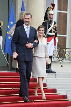 Queens & Princesses - State visit to France. Day 1 - Meeting at the Elysée Palace