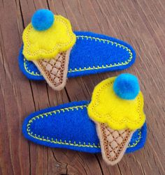 Felt Snap Clip Barrettes Blue and Yellow Ice por PJSEMBROIDERY, $5.50