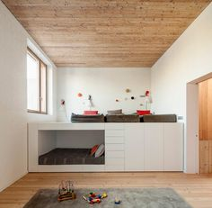 Loft Beds: Maximizing The Area Of Small Spaces – Bunk Beds for Kids Patio Interior, Interior Design, Bunk Bed Designs, Kids Bunk Beds, New Home Designs, Room Inspiration, Small Spaces, House Design, Design Design