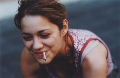 Andie Valentino fajčenie