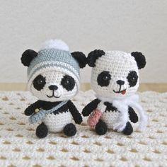 Cute tiny Panda Bears (no pattern) Crochet Panda, Crochet Gratis, Crochet Amigurumi, Crochet Bear, Cute Crochet, Amigurumi Patterns, Amigurumi Doll, Crochet Animals, Crochet Dolls