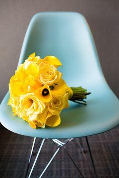 A lovely yellow bouquet! #Weddingbouquets | Avenue Photo