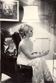 ms brigitte bardot, the ultimate sex symbol Bridgitte Bardot, Elisha Cuthbert, Catherine Deneuve, Jane Fonda, Christina Hendricks, Gina Lollobrigida, Eliza Dushku, Marie Christine Barrault, Vintage Hairstyles