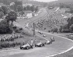 Circuit Spa Francorchamps - 1952 : Alberto Ascari (ITA)-Scuderia Ferrari-Ferrari 500 Ferrari Straight-4 (P/P1-R/P1) / Giuseppe Farina (ITA)-Scuderia Ferrari-Ferrari 500 Ferrari Straight 4 (P/P2-R/P2). GP de Belgique (Spa Francorchamps).