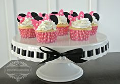 Cupcake Gallery - Kristen's Cake Creations - Minnie cupcakes with fondant toppers
