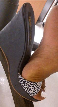 High Top Boots, Black High Heels, Black Wedges, Cute Slippers, Nylons, Gorgeous Heels, Flip Flop Shoes, Female Feet, Women's Feet