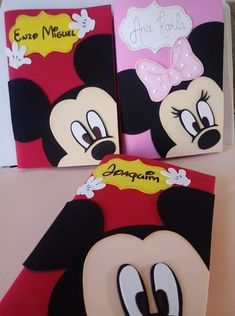 Carpet Runner Installation Near Me Mickey E Minie, Minnie Mouse, Folder Decorado, Foam Crafts, Paper Crafts, Mickey Drawing, Diy Notebook Cover, Fabric Book Covers, Mickey Party