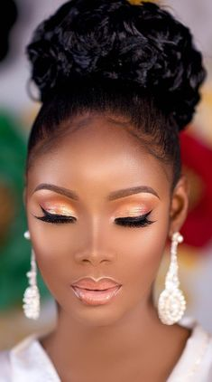 Make-up für schwarze Frauen - Wedding Makeup Dramatic Dark Skin Makeup, Natural Makeup, Black Girl Makeup Natural, Natural Beauty, Natural Skin, Natural Fashion, Natural Eyeshadow, Flawless Makeup, Gorgeous Makeup