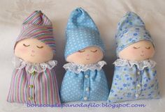 Doll Sewing Patterns, Sewing Toys, Baby Sewing, Quilt Baby, Handgemachtes Baby, Felt Gifts, Small Sewing Projects, Sock Animals, Diy Doll