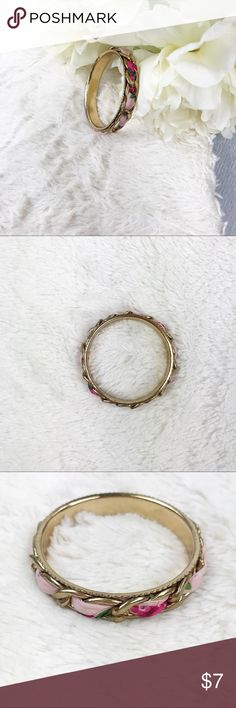 Fabric Chainlink Bangle Fabric Chainlink Bangle Excellent Used Condition!  Measurements: - 7.5 inches around   MAKE AN OFFER!!! Jewelry Bracelets