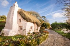 Fairytale luxury self-catering thatched cottage St Agnes, luxury thatched holiday Cottage St Agnes north Cornwall