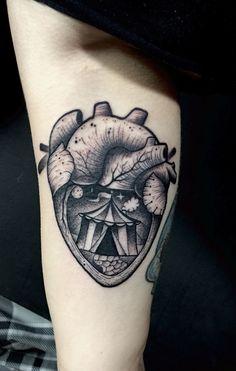 Heart circus tattoo By Juan David Castro R Tattoo 2015, I Tattoo, Leg Tattoos, Tatoos, Circus Tattoo, Tatting, Body Art, Skull, Ink
