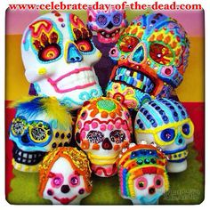 Sugar skull art by Thaneeya McArdle: fun, colorful, highly-detailed skulls inspired by Mexico's holiday Day of the Dead (Dia de los Muertos). Sugar Skull Art, Sugar Skulls, Day Of The Dead Art, Holiday Day, Mexican Folk Art, Low Key, Fall, Colorful, Day Of The Dead