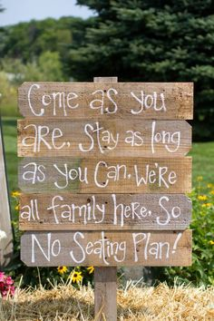Wedding Ceremony Sign Pick a Seat not a Side Wedding Ceremony Sign Pick a Seat not a Side. Rustic Country Wedding Decorations, Rustic Wedding Seating, Pallet Wedding, Etsy Wedding Signs, Wedding Ceremony Signs, Wedding Reception, Unplugged Wedding Sign, Pick A Seat, Chalkboard Wedding